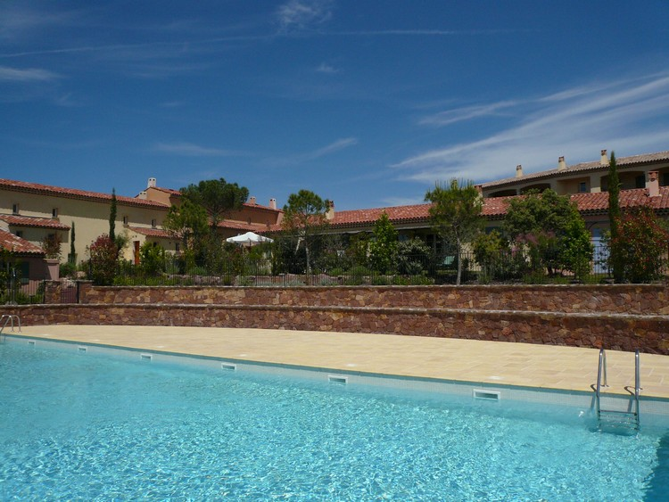 La motte en provence Holiday Rental, apartment, 6 people, AL104 - Photo