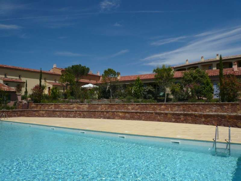 La motte en provence Holiday Rental, apartment, 6 people, AL104 - Miniature 0